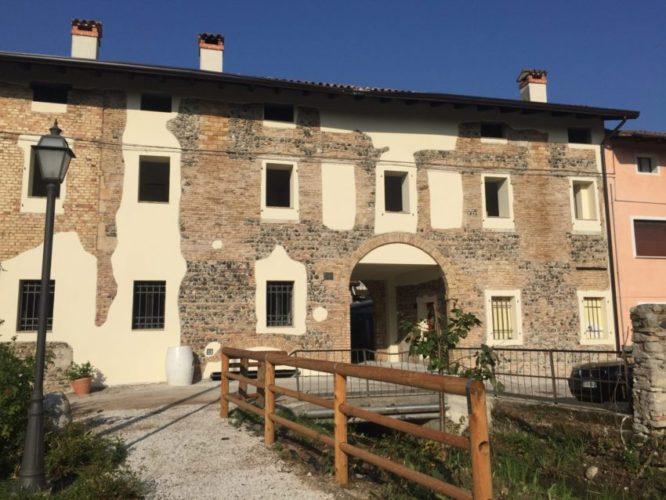 Visita e degustazione degli assaggiatori vini all'azienda Borgo Delle Oche di Valvasone